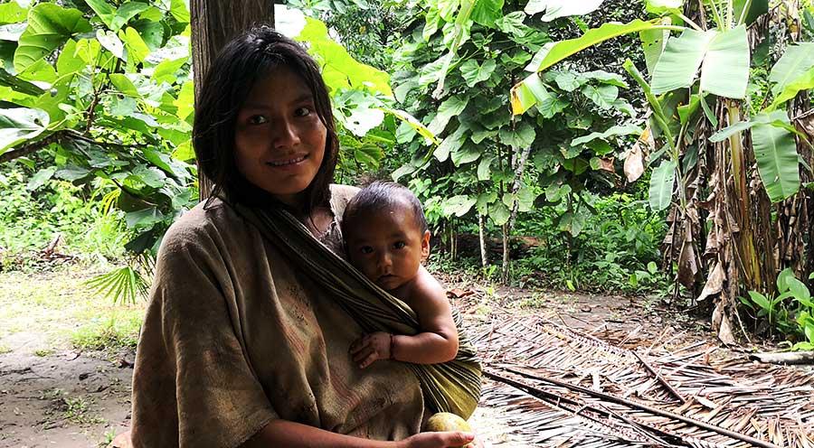 sensations-voyage-sensationsvoyage-perou-peru-amazonie-amazonia-indian-machiganga-family-portrait-maldonado
