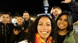 sensations-voyage-sensationsvoyage-perou-peru-cusco-cuzco-by-night-friends-selfie