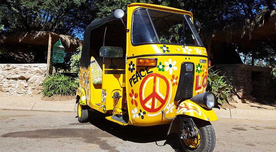 sensations-voyage-afrique-du-sud-johannesburg-tuktuk