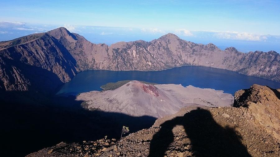 Sensations Voyage au Mont Rinjani, Lombok - arrivée au sommet Trek 2 jours 1 nuit