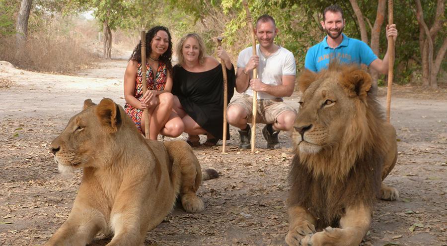 sensations voyage marche avec les lions senegal sénégal fathala wildlife reserve photo groupe