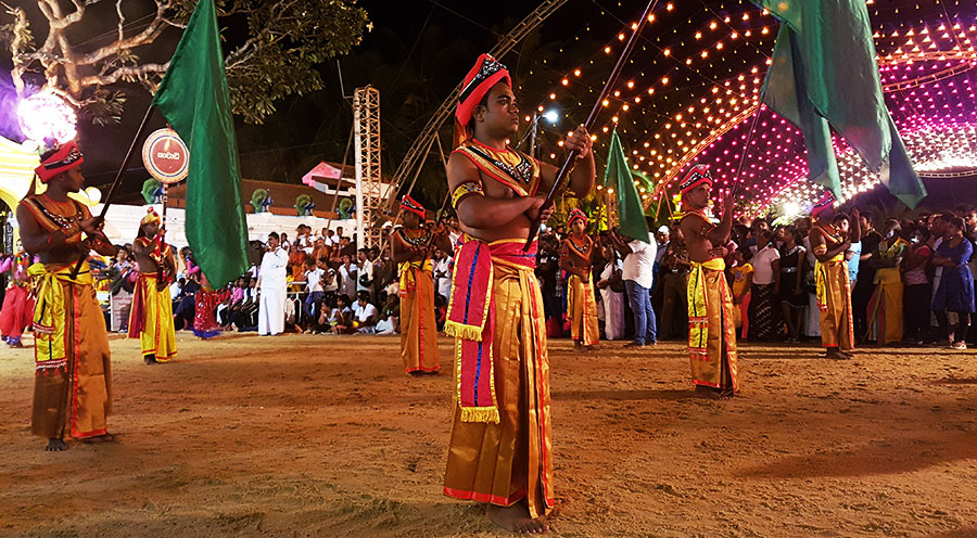 sensations voyage incontournables sri lanka que faire que voir -photo-elephants-katragama-perahera-bon-plan-3