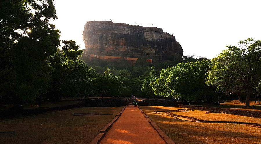 sensations voyage incontournables sri lanka que faire que voir sigiriya-lion-rock-citadelle- sri lanka