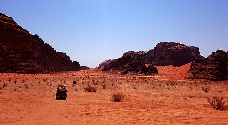 sensationsvoyage-sensations-voyage-jordanie-jordan-photos-wadi-rum-desert-camel-4x4-3