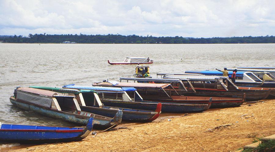 sensationsvoyage-voyages-destination-photos-guyane-pirogue-suriname