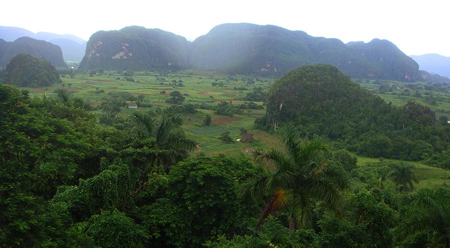 sensations-voyage-voyages-cuba-vinales-mogottes-landscape
