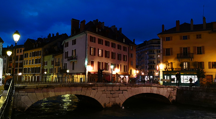 sensationsvoyage-sensations-voyage-photo-photos-france-annecy-vieil-ruelle-canaux-night