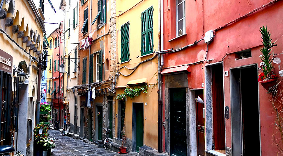 sensationsvoyage-sensations-voyage-photo-photos-italie-porto-venere-maisons-colorees-ruelle-2