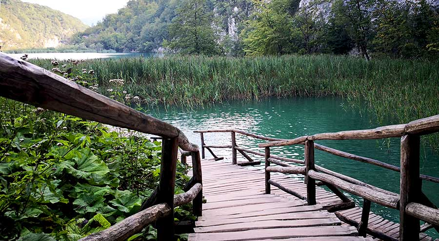 sensations-voyage-sensationsvoyage-croatia-plitvice-national-lake-cascade-croatie-bridge