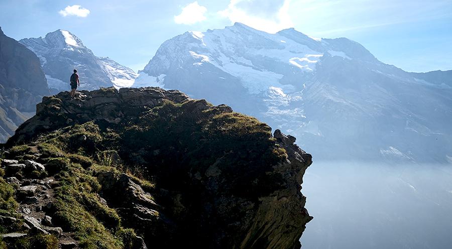 sensationsvoyage-sensations-voyage-suisse-montagne-oeschinen-brume-moodsensationsvoyage-sensations-voyage-suisse-montagne-oeschinen-roc