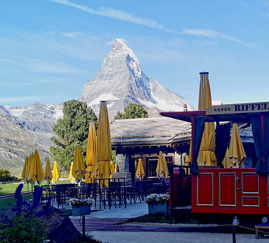 sensationsvoyage_photos_suisse_riffelapls_zermatt_best_hotel_cow_train_3