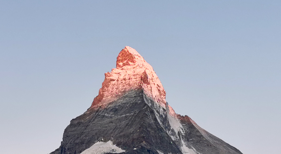rifffelapl-resort-view-sensationsvoyage_photos_suisse_riffelapls_zermatt_riffelsee_hike_mattrhorn_3