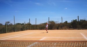 sensations-voyage-album-photos-kenya-sosian-laikipia-tennis-play