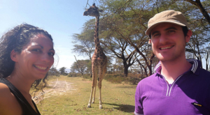 sensations-voyage-album-photos-kenya-walking-safari-naivasha-giraffe-sleepy-crescent-island-selfie