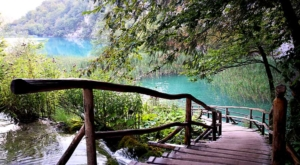 sensations-voyage-sensationsvoyage-croatia-plitvice-national-lake-cascade-croatie-bridge-2