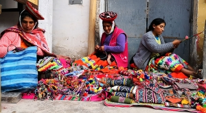 sensations-voyage-sensationsvoyage-perou-peru-marche-market-allantaytambo-femmes
