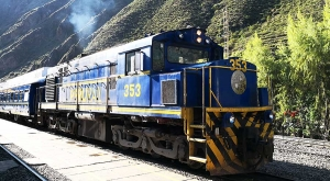 sensations-voyage-sensationsvoyage-perou-peru-train-perurail-ollantaytambo-trainstation