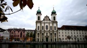 sensations-voyage-voyage-photos-suisse-lucerne-luzern-eglise-jesuite-hotel-des-balances-2