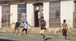 sensations-voyage-voyages-cuba-football-kids