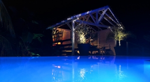 sensations-voyage-voyages-martinique-piscine-bungalow-swimmingpool-paradis