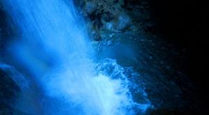 sensations-voyage-voyages-photos-martinique-experience-cascade-gorges-falaise-canyoning-descente-aventure-vert-evad-5
