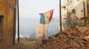 sensations-voyage-voyages-senegal-goree-drapeau
