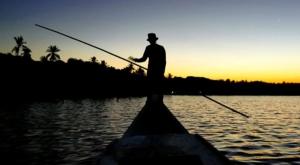 sensations voyage photos indonesie java karimunjawa islands sunset man