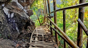 sensations voyage photos java bromo national park tumpak sewu waterfalls bridge