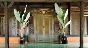 sensations voyage photos java hotel door indonesian javanese