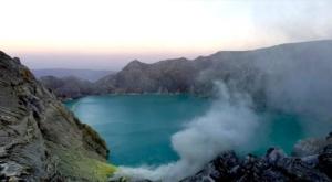 sensations voyage photos kawah ijen volcan cratere lac turquoise