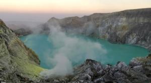 sensations voyage photos kawah ijen volcan cratere sunrise