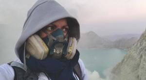 sensations voyage photos kawah ijen volcan masque a gaz