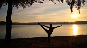 sensationsvoyage-sensations-voyage-morvan-bons-plans-sunset-lac-des-settons-yoga-fitgirl-sunset-france-zen