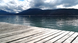 sensationsvoyage-sensations-voyage-photo-photos-france-annecy-lac-ponton-bois-2