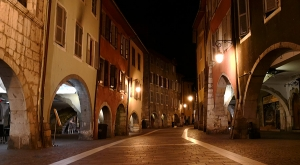 sensationsvoyage-sensations-voyage-photo-photos-france-annecy-vieil-ruelle-night