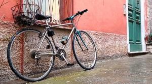 sensationsvoyage-sensations-voyage-photo-photos-italie-porto-venere-maisons-colorees-bike-velo