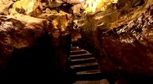 sensationsvoyage-sensations-voyage-suisse-bons-plans-grottes-saint-beatus-stairs
