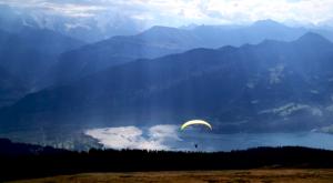 sensationsvoyage-sensations-voyage-suisse-montagne-niederhorn-thoune-lac-parapente