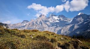 sensationsvoyage-sensations-voyage-suisse-montagne-oeschinen-see