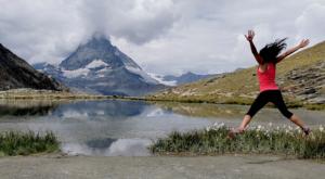 sensationsvoyage photos suisse riffelapls zermatt mont cervin matterhorn lake sam jump